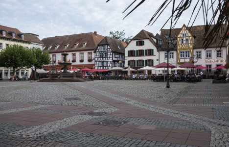 Neustadt >